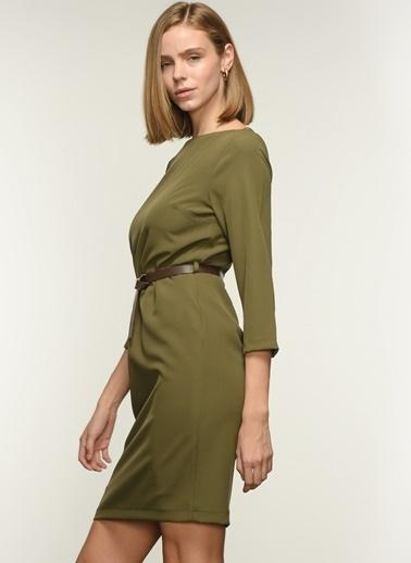 NGSTYLE Ngkaw20El0006 Kayık Yakalı Kemerli Elbise Haki